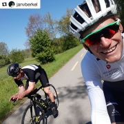 Very impressive ride with pro triathlete @janvberkel So cool to try his bike, what a machine that is!! #lookingsketchy #shitthehandlebarisnarrow #nofrictionnocontrol 😂😂 #Repost @janvberkel with @repostapp ・・・ Inspiring ride with olympic snowboard medallist @nevingalmarini . He looked smooth on my TT and was bombing down the downhills as if he was on snow😊  #ride #rideforlife #lifebehindbars #olympia #snow #snowboarding #inspiration #WYMTM #outsideisfree #ironman #triathlon
