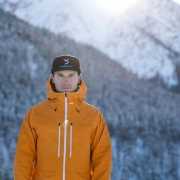 I'm very happy to announce my partnership with @fadesignouterwear This Canadian brand expands the technical horizon of snowboard specific gear - for real. 📷: @dominik_taeuber